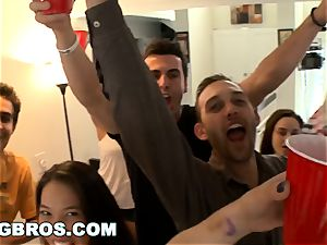 BANGBROS - How to toss a penetrating college soiree right