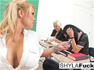 college girl Shyla Gets poked