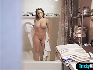 I enjoy to masturbate together with my light-haired stepmom
