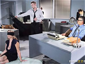 marvelous boss Julia Ann gets a dual creaming