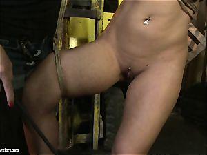 Kathia Nobili whip the tongue of cutie female