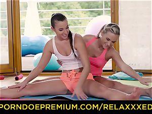 RELAXXXED lezzie Amirah Adara screwed on yoga class