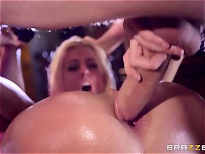 Monster rod glides into sugary-sweet snatch crevice of Jessie Volt
