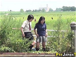 huge pubic hair asian urinates