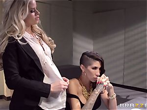 Cops Jessa Rhodes and Kendra James pulverize prisoner Kayla Carrera