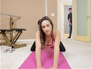 hide and squeak Sn 3 Yoga babe Ashley Adams gets surprise screw