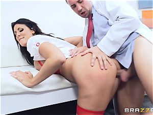 Keiran Lee shoots is flow all over Reagan Foxx