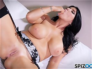 mummy Romi Rain messing with her cooch