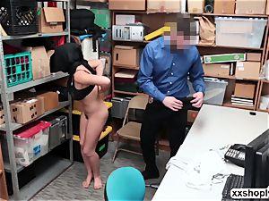 Shoplifter nubile Ella Knox let LP tears up her shaven fuckbox