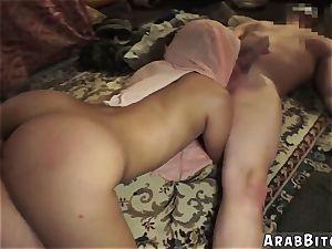 gal arab Local Working girl