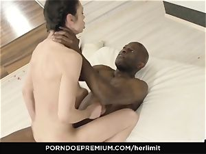 HER limit - Arwen Gold tough fucky-fucky with black dude