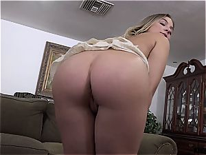 succulent butt stepsister Blair gets porked on the bed