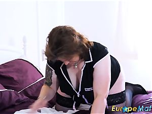 EuropeMaturE huge-chested plump Solo frolicking getting off