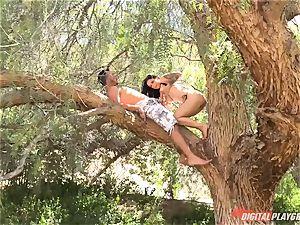 Katrina Jade gets a throatful in the park