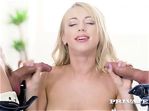 Private.com - Kira Thorn gets her crevasses porked