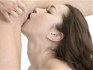 Jayden Cole and Jennifer Jacobs minge pleasing honies