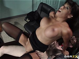 latin secretary Mercedes Carrera seduced her new chief in the office