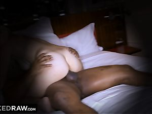 BLACKEDRAW wife sans hubby hotwife in motel