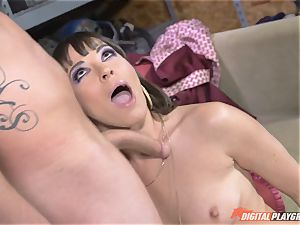 Dana DeArmond gets her fabulous cock-squeezing fuckbox slurped and played with