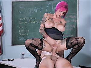 squirt Class Sn five with steamy squirter Anna Bell Peaks