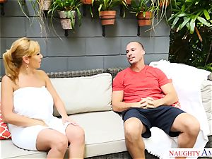 Sean Lawless finds scorching cougar naked in the garden