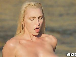 VIXEN Kendra Sunderland sultry fucky-fucky on a beach