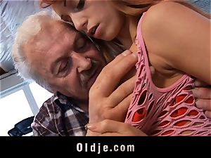 Oldman Gustavo happy to nail super-sexy Erica Fontes